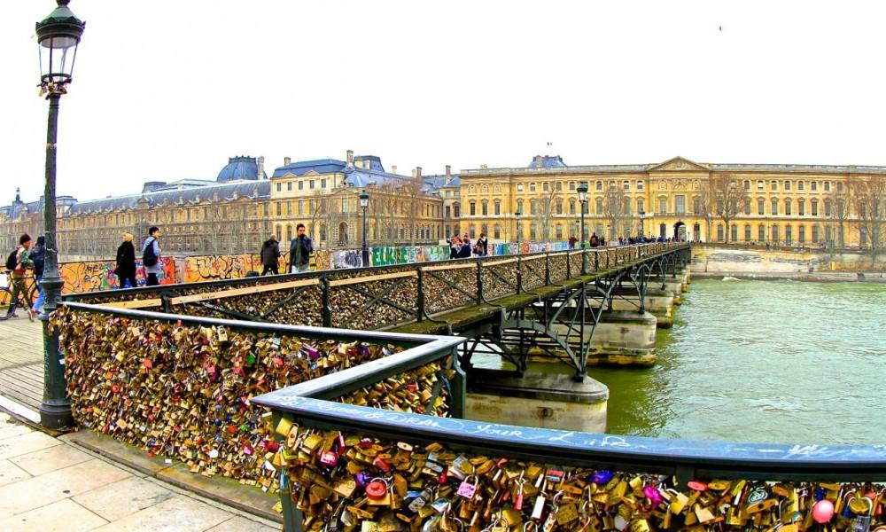 Paris lovelocks, Pont des Arts, Paris, France.